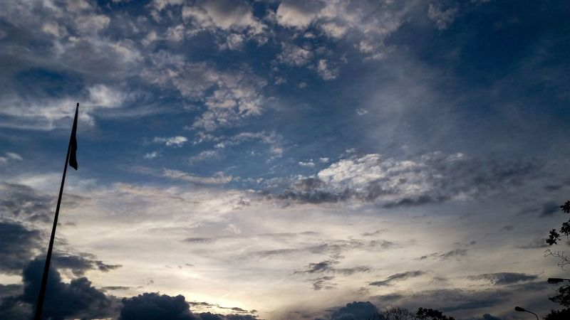 Sky Cloud - Sky Day Dramatic Sky Taking Photos Happy Dark First Eyeem Photo Happiness Hello World One Day 🎈👻 Sky And Clouds Missyou