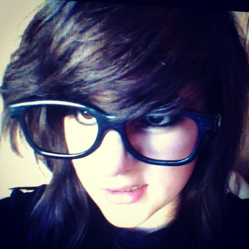 Sometimes a cba to do anything.........thia relates to the mood >.< Random Blackness Glasses Wierdface evil merp selfie