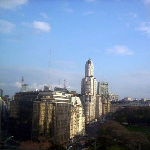 Plaza San Martín y el Edificio Kavanagh vistos desde la Torre de los Ingleses. Edificiokavanagh Retiro Torremonumental Torredelosingles buenosaires