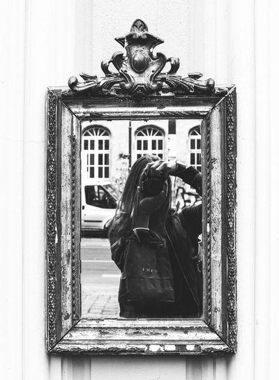 Mirror Mirrorselfie Mirror Reflection Mirror Picture Blackandwhite Blackandwhite Photography That's Me Canoneos700d EyeEm Best Shots Prenzlauerberg Berlin Berlinstreets Berlinstyle Berlin Streetart Zara Bag Berlin Photography
