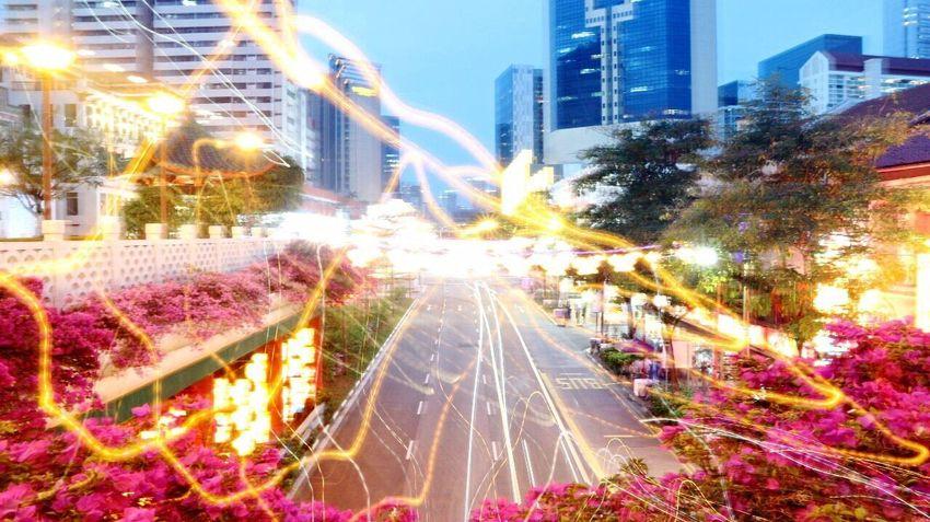 Blurred Motion Blurry On Purpose Light Lowspeed Slow Shutter Thunder Photographyinmotion Citylights City Of Lights City Life
