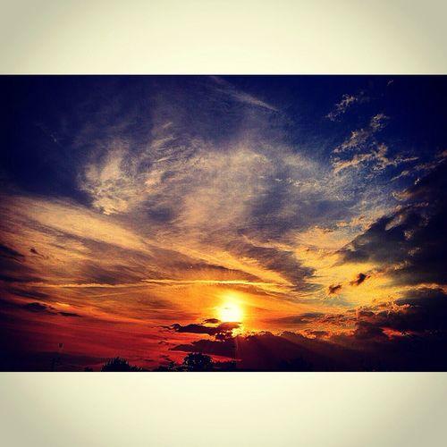 EyeEm Nature Lover Nature Sunset #sun #clouds #skylovers #sky #nature #beautifulinnature #naturalbeauty #photography #landscape Sunrise First Eyeem Photo