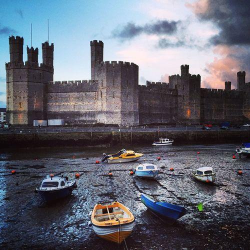 Castle Castles Caenarfon Wales