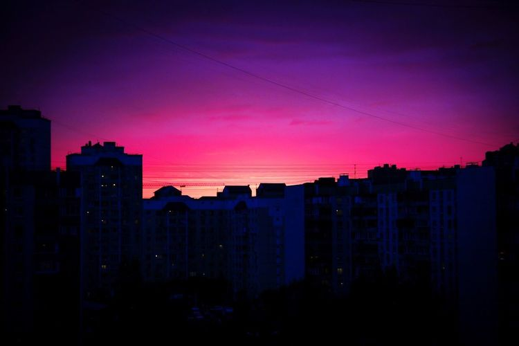 Вид с балкона... #закат #небо #закатсолнца #ночноенебо #ночь #видсбалкона #жулебино #ночнойпейзаж #sky #night #nightsky #sunset #nightlandscape #view #viewfrombalcony #vignettephotography #日没 #天国 #夜空 #日落 #日落