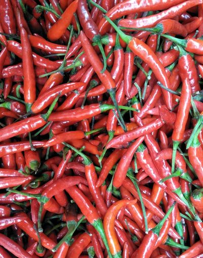 Peri Peri Cili Chili  Chilli Chili Pepper Chillies Peppers Red Vegetable Spice For Sale Close-up Food And Drink Red Chili Pepper Pepper Green Chili Pepper Chili Pepper Pepper - Vegetable Jalapeno Pepper Garlic Healthy Stall Raw Farmer Market Chili