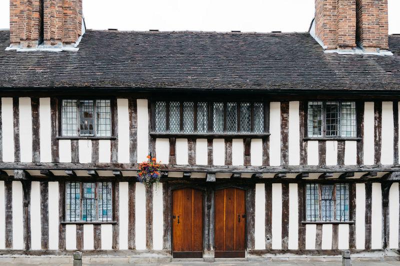 Facade of tudor house at stratford-upon-avon