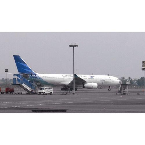 Garuda Indonesia Airbus A332 Cgk Shia samsung nx300