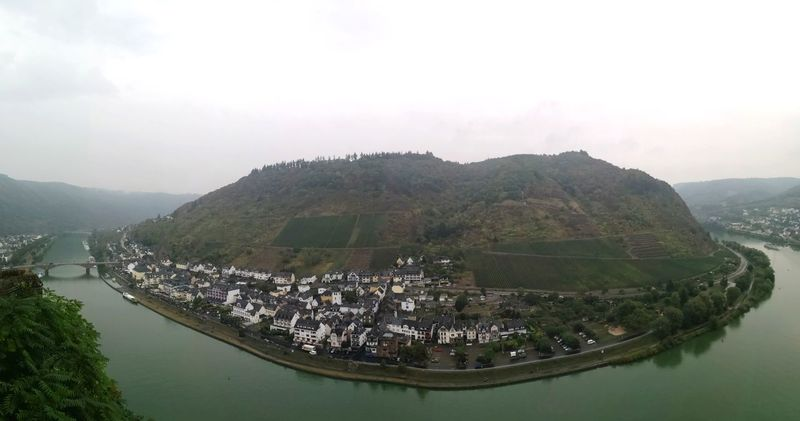 Mosel curve in Cochem Rhineland Palatine Germany High Angle View Rhineland Pfalz Rhineland-palatine Rhineland Palatinate Cochem An Der Mosel Cochem Germany Cochem An Der Mosel Cochem In Autumn Mosel River In Germany Moselschleife Mosel Kreuzfahrt Mosel Cruise Water Nautical Vessel Mountain Lake Fog Business Finance And Industry Fishing Sky Architecture Civilization Castle Medieval Fortified Wall Trawler Fortress Knight - Person Destinations Aged