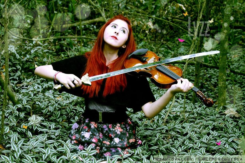 Sword and the violin - Model: Lyzz Flores - Fotographer : Saulo Valley SauloValley Fantasia Fantasy Exotic Beauty  Lyzz Flores