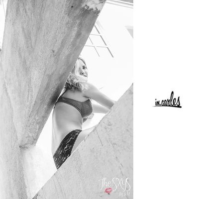 The wall. Galería completa en imcarles.com TheSXYS Love Girl Cute beautiful instagood photooftheday fashion like follow model