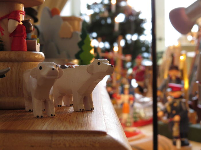 Advent Animal Themes Animal Toy Christmas Christmas Decoration Christmas Decorations Christmas Gift Christmas Market Christmas Morning Christmas Present Christmas Season Christmas Toys Christmastime Erzgebirge Gift Gift Shop Handcrafted Handicraft Polar Bear Present Toy Toy Animal Under The Christmas Tree Wooden Wooden Animal
