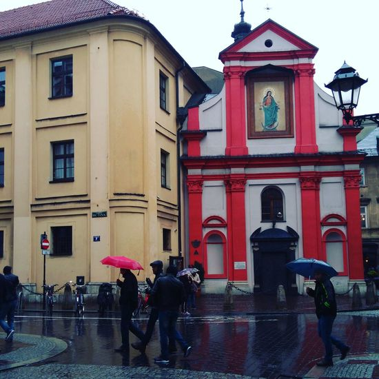 Architecture Building Exterior Travel Destinations City Large Group Of People Cracow Raining Day Poland Pollen Polska Lenovotography Krakow Art Is Everywhere