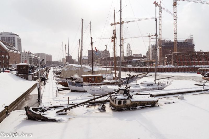 Zatopiony statek w Gdańsku Ships⚓️⛵️🚢 Poland Gdansk (Danzig) Gdansk_official Winter EyeEmNewHere Gdańsk. Winter Moored Nautical Vessel Cold Temperature Weather Snow Harbor Stories From The City
