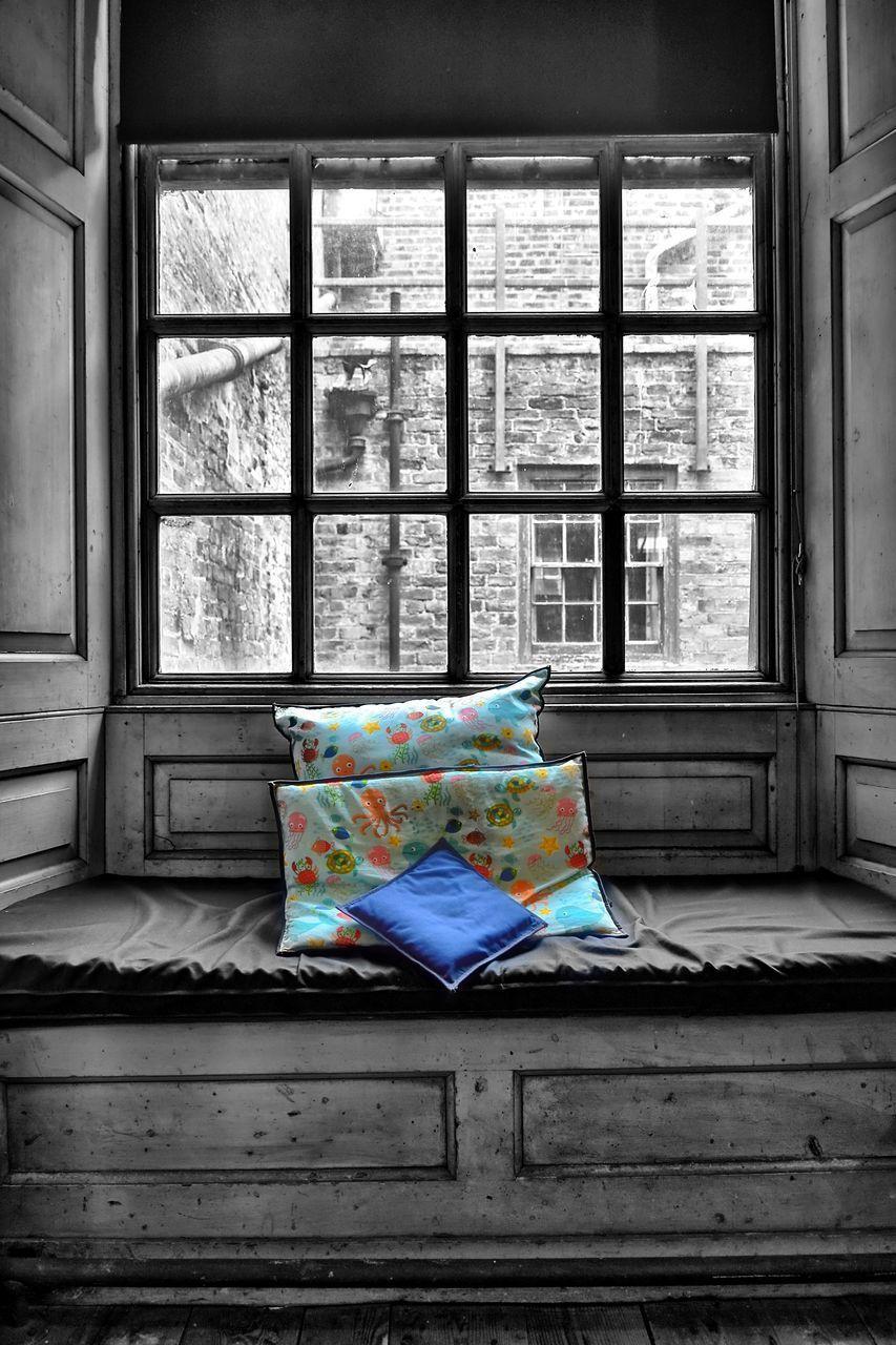 ABANDONED HOUSE WINDOW