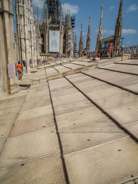 Architecture Architecture Architektur Architettura Building Exterior Built Structure City Day Duomo Duomo Di Milano Italia Italien Italy Italy❤️ Italy🇮🇹 Mailand Mailänder Dom Men Milan Milano One Person Outdoors Sky The Way Forward Transportation