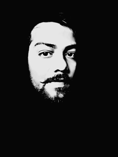 Hello World Check This Out Portrait Portrait Of A Man  Beard Self Portrait The Beauty Of Simplicity Black & White EyeEm Best Shots Dark Photography Youth Of Today Good Night Alone Eyes Are Soul Reflection