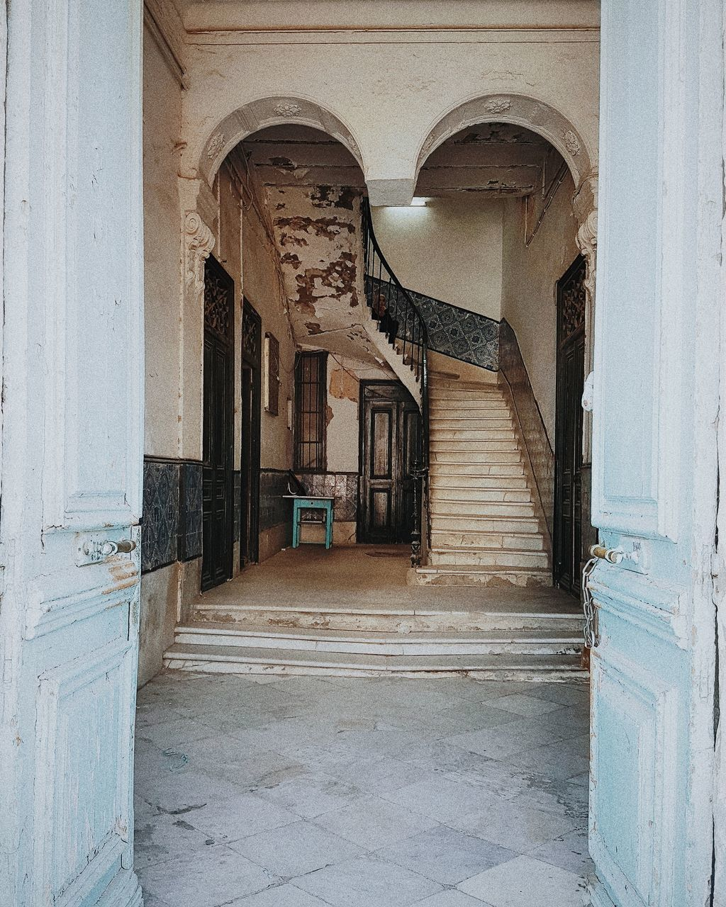 architecture, arch, built structure, no people, day, history, indoors, architectural column