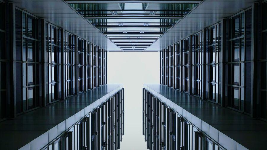 Sunday_flip Urban Geometry Architectural Detail NEM Architecture Symmetrical Open Edit 180° Walking Around Learn & Shoot: Leading Lines