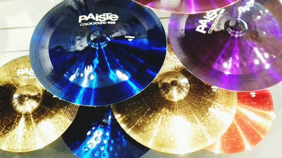 Shiny Blue Indoors  No People Close-up Day Drum Stage Voice Soundtech Crash Hihat Cymbals Paiste Amazing Colors Plate Music Drum Kit 18 20 2017