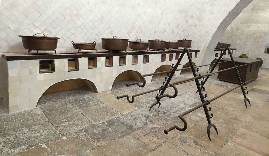 Cucine con spiedo Ancient Architecture Great Spits Indoors  Sāo Martinho Kitchen Tools To Cook