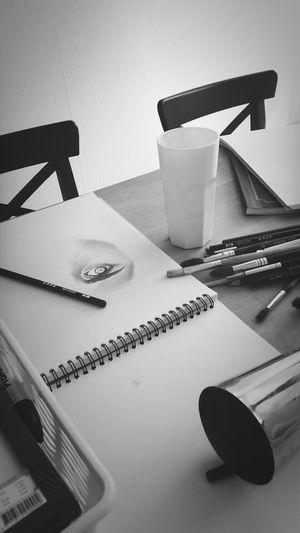 there's an eye laying at my table ... BeCreative Hello World Drawing Myartwork