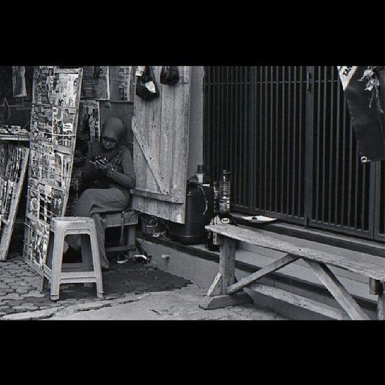Ping Ping Yashica Fr1 Ultrafine Analog 35mm ishootfilm filmphotography beliveinfilm filmisnotdead buyfilmnotmegapixel street