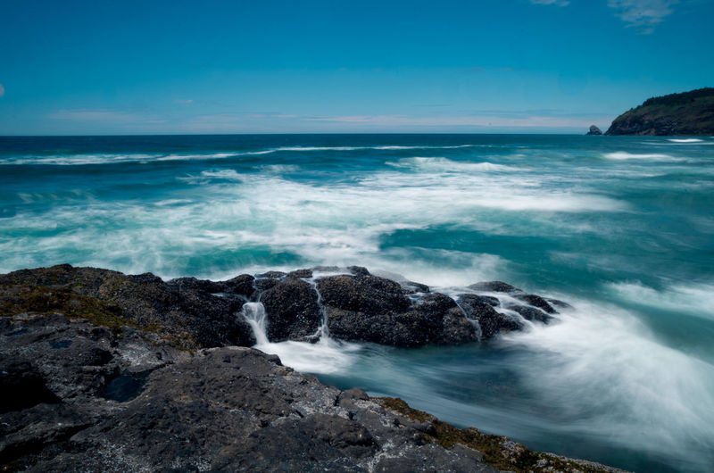 Beauty In Nature Coastline Horizon Over Water Majestic Motion Nature No People Non-urban Scene Ocean Ocean View Oregon Oregon Coast Outdoors Portland Remote Rock Formation Sea Splashing Tranquil Scene Tranquility Water Wave Waves