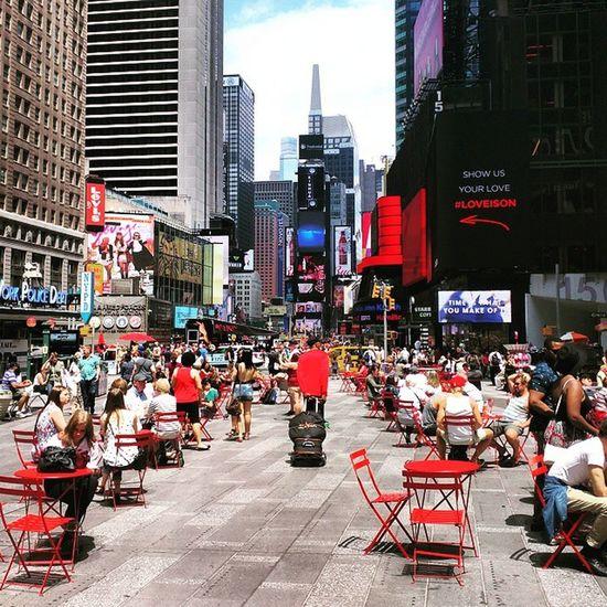 Times Square Neversleeps