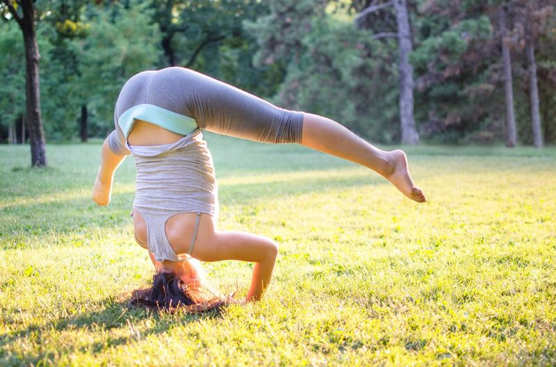 Young Women Yoga Nature Flexibility Outdoors Grass People Athlete Gymnast