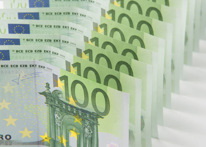 € Euro Currency