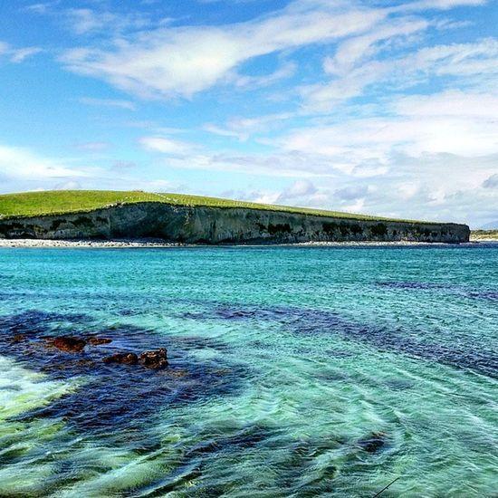 Such beautiful cystal clear water. I want to go back here to swim when summer finally arrives 🌊 Ballyconneely Beach WestOfIreland Seascape Coast Galway Ireland Connemara 30dayswild