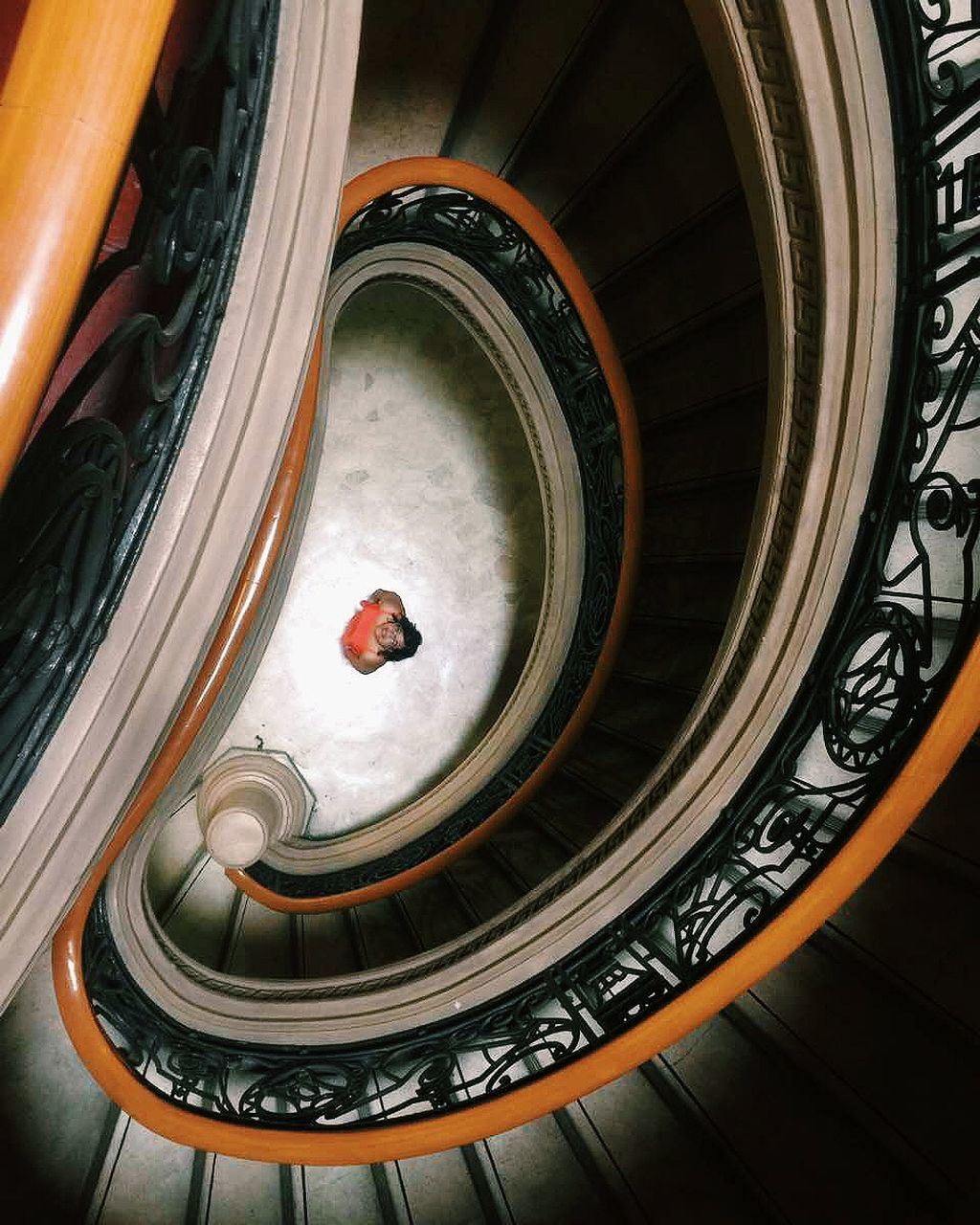 staircase, steps and staircases, steps, spiral, railing, indoors, architecture, built structure, spiral staircase, no people, day