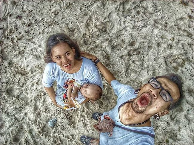 All have placed it on them that love and affection. . . . MyLittleFamily Mywife MyBabyBoy Kamerahpgw Bali Pandawabeach INDONESIA Instagram Mataponsel