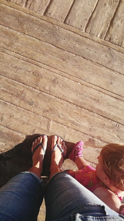 The Good Life Children Photography Babyfeet Babygirl On The Beach Feet RePicture Motherhood Photos That Will Restore Your Faith In Humanity