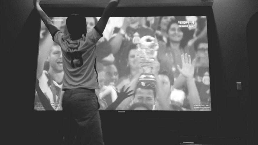 World Cup- He wore his Mario Götze jersey. Germany Worldcup Futbol Fut ⚽⚽⚽