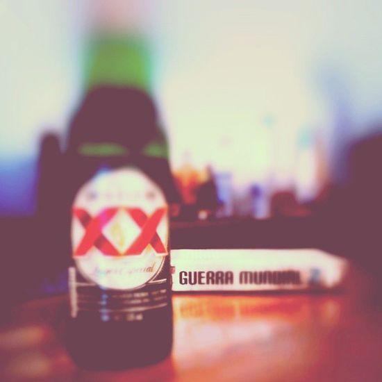 Momento de relax DosXX GuerramundialZ Book Read rain cerveza
