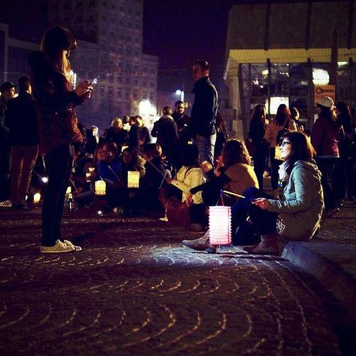 Laternenflashmob Augustusplatz Earthday Turnoffthelight leipzig thisisleipzig vscocam vsco_spotlight