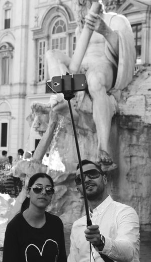 L'amore al tempo dei selfie/love in selfie's time.Taking Photos Hanging Out Enjoying Life PiazzaNavona Love ♥ Touristlife Feel The Journey