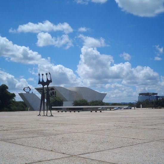 Praça dos três poderes... Bsb Curtobrasilia Visitebrasilia Coolbrasilia Brasil Travel BR Turism
