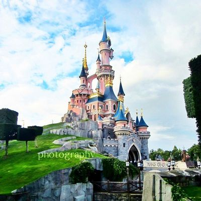 Magical place, indeed. Even the pictures I took were looking soooo magical! ? Inside the castle is truly a beauty and telling story of Sleeping beauty. Not my favorite princess, but I really love it. Disneyland Paris (August 2014)