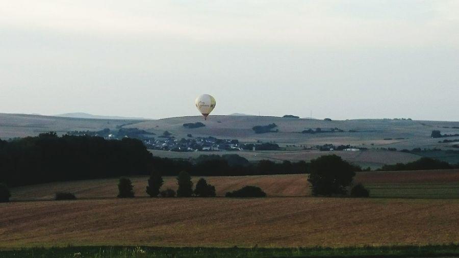 Heißluftbalon über dem Maifeld. Landung in der Senke nach Dreckenach. First Eyeem Photo
