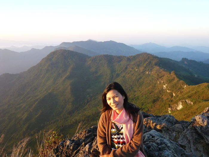Phu chi fa in 2008 North Travel Destinations Recommended Geography Happiness Beauty In Nature Sunrise Dawn Mountain Portrait Beauty Summer Women Fog Sunlight Wavy Hair Lush - Description