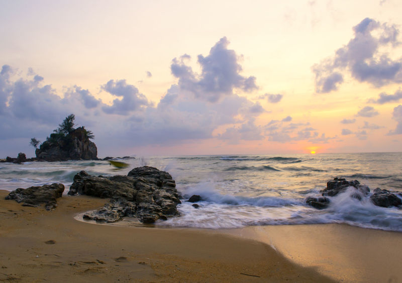 Beach Beauty In Nature Cloud Cloud - Sky Cloudy Coastline Horizon Over Water Kuala Terengganu Nature No People Non-urban Scene Outdoors Showcase July Tranquil Scene Tranquility Water Wave Hidden Gems  Color Of Life My Favorite Place