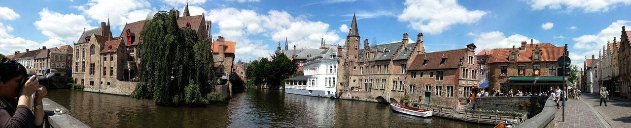 Missed Colin Farrell for several years.... Panorama Bruges