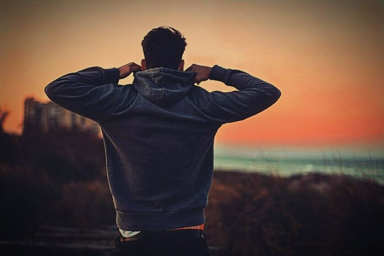 Standing Men Horizon Over Water Three Quarter Length Sea Leisure Activity Lifestyles Casual Clothing Focus On Foreground Outdoors Memories Scenics Remote Hobbies Sky Vacations Beauty In Nature Tranquil Scene Tranquility Shore Ansysellin EyeEm Best Shots Photographer Ukraine Krivoyrog