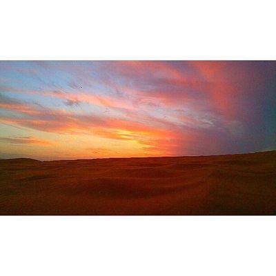 Amazing sky Jnon Sand Sun_set Sky wcw woow beutefal natural ksa Xperia_z Xperia Xperiafans xperialeadinglines xperiapictip البر الغروب السعودية الشفق تصويري عدستي عرب_فوتو روضة_الخفس كامي