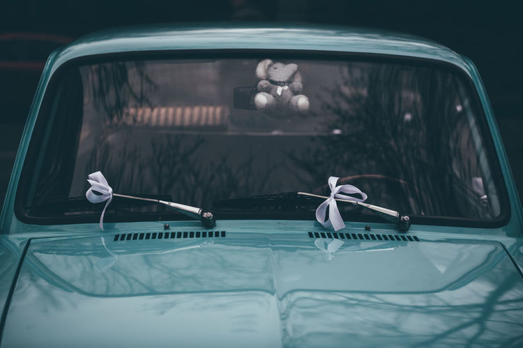 Blue Vintage Car Car Driving Front View Mode Of Transport Night No People Outdoors Transportation Vintage Car Vintage Cars Vintage Wedding Car Wedding Ribbon White Ribbons