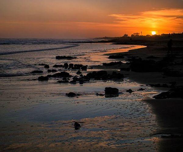 Buenas noches a tod@s! Atardecer en la playa de Claromecó. Good Night! Sundown at Claromecó's beach. Nofilter Icu_argentina_ Amateurs_shot Bestshot Ig_buenosaires Ig_argentina Igersbsas Igersargentina Nubesdetuciudad Skyporn Picoftheday Instamoment Instagood Instagramers Hallazgosemanal Communityfirst People_and_world Ig_serenity Argentina_estrella Sundown Hope Sunsetmadness Sunsets Sunsetlovers Worldsunsetchallenge nikon_photography_ sky_brilliance claromecoarg sunset_stream