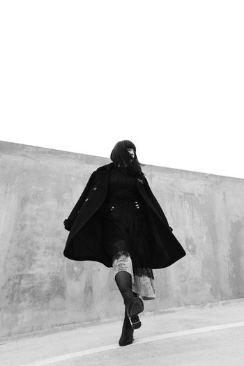 Noir minimalism Beauty Photography Blackandwhite Pose Fashion Girl Art Minimalist Architecture Model Attitude Minimalism Bw Running Fashion Photography Outfit Portrait Unique Love Full Length City Go Higher Stories From The City Stories From The City Inner Power EyeEmNewHere Visual Creativity