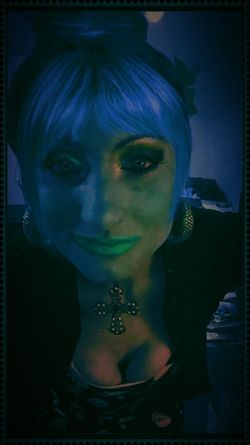 The Living Dead Girl - Grungegirl EyeEm Best Edits Grunge Art GrungeStyle Nightgallery Creepy Art Graphic Design Creepy Face Photoshopped Cutie Horror Portrait #bestofeyeem #iamtheartist #trippy #acidtrip #thetwilightzone #eyeembestart #eyeemart #mystique #carnivale #chloe #colorful